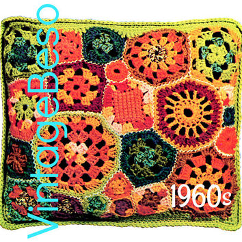 25 Granny Square Motif Pillow Crochet PATTERN • Vintage 1960s Patchwork Pillow • Retro Free Form Home Decor • Instand Download • PDF Pattern