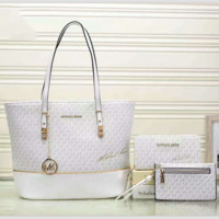 MICHAEL  KORS  Lash package Woman shopping leather metal chain shoulder bag White