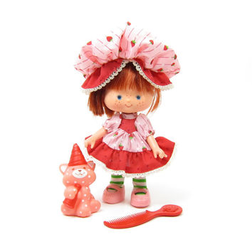 Strawberry Shortcake Party Pleaser Vintage Doll with Custard Cat Pet, Red Comb