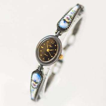 Women's quartz watch flowers bracelet, cocktail wristwatch Ray, vintage lady watch filigree details, tiny oval watch black face unique gift