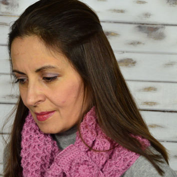 Crochet cowl, infinity scarf, pink scarf, chunky cowl, winter scarf, womens scarf, snood crochet, cozy wool scarf, christmas gift for her