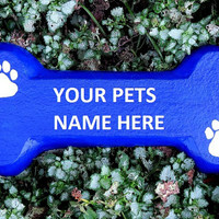 Concrete dog bone hanger, Pet plaque, dog house sign, yard art, Memorial marker, Pet name bone