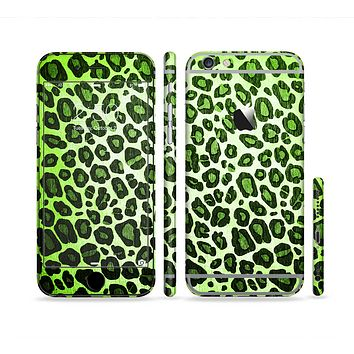 The Vibrant Green Leopard Print Sectioned Skin Series for the Apple iPhone 6