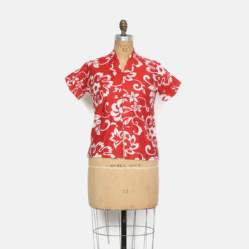 Vintage 50s Hawaiian TOP / 1950s Red & White Floral Print Tea Timer Blouse S
