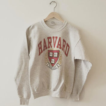 Vintage Harvard University sweatshirt. Size: Medium // Follow us on ig @creepandhound