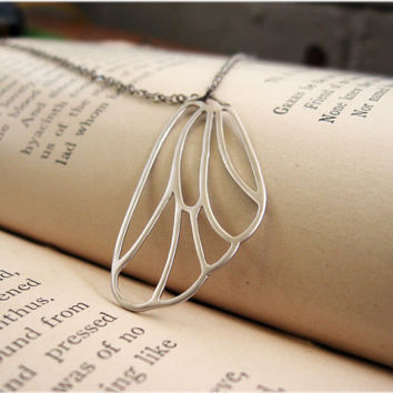 A Single Fairy's Wing Necklace by sodalex on Etsy