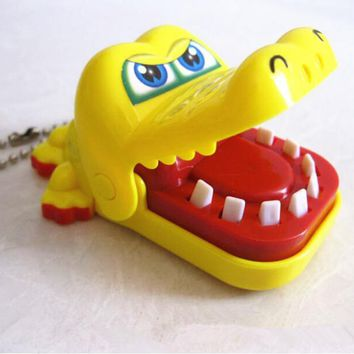 HO House Keeping Creative Chidlren Kid Crocodile Mouth Dentist Bite Finger Game Funny Gags Toy Colors Random