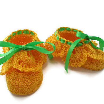 Yellow  Baby booties. Crochet Baby Booties