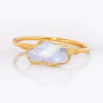 Gold Raw Opal Ring for Women, Bohemian Jewelry, Gemstone Ring, Opal Engagement Ring, Opal Ring Gold, Raw Crystal Ring, October Birthstone