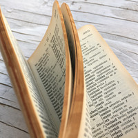 Vintage English-Italian miniature dictionary, leather bound book 58 x 80 x 17mm. Made in England.