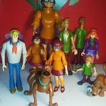 Lot of 10 Scooby Doo Mysteries Series and Clue Books with pics