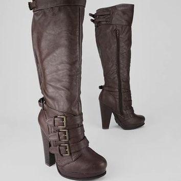 leatherette buckle strap boot