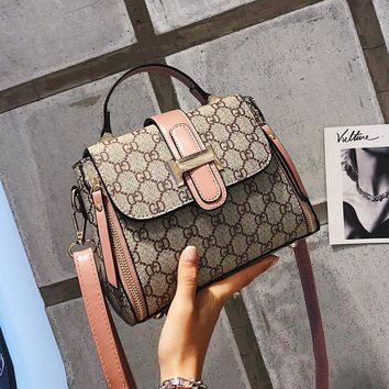 New Small Gucci Bag Female 2018 New Wave Korean Version of The Wild Single Shoulder Slung Female Gucci Bag Broadband Printing Retro Small Bag