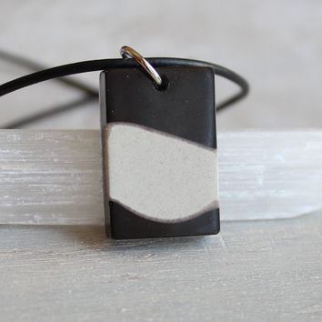 Rectangle necklace - black and white