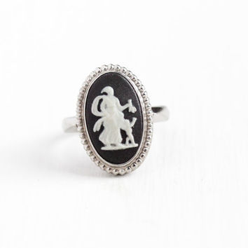 Vintage Sterling Silver Venus & Cupid Wedgwood Cameo Ring - Retro Size 5 1/2 English Oval Black Jasperware London 1970s Mythology Jewelry