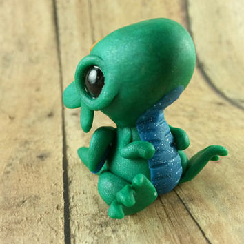 Baby Dragon Figurine, Small Dragon Figurine, Cute Dragon, Dragon Hatchling Figurine, Baby Dragon, Dragon Sculpture, Green Dragon, Terrarium