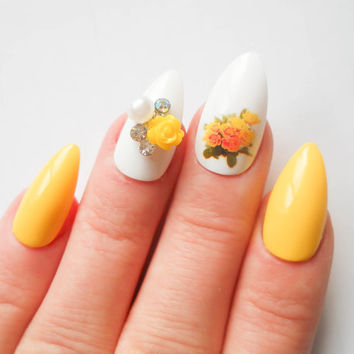 Yellow Rose - Stiletto Nails, Fake Nails, Acrylic Nails, Press on, Nails, False Nails, Roses, Flower, Vintage Flowers