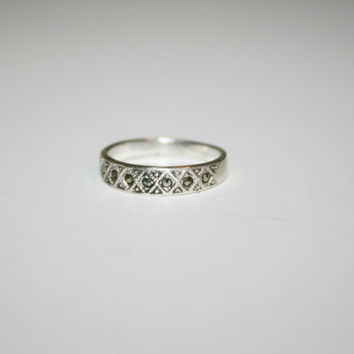 Size 6 Sterling Silver Band Ring with Hematite Stones Size 6 - free ship US