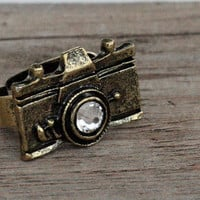 Antique Bronze Hipster Camera Ring with Swarovski Crystal, Adjustable Vintage Photographer Ring, Trendy Camera Jewelry, Photographer Gift