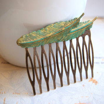 FFEE SHIPPING-Patina Feather Hair Comb,Verdigris Hair Accessory,Blue wedding Comb, Blue Romantic Head Piece,Turquoise Brass Feather,Woodland