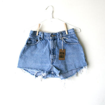 "Waist 27.5"" High Waisted Vintage Levi Shorts"