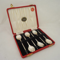 Vintage Set of 6 Coffee or Teaspoons in presentation case 'Yeoman Plate' Silver Plated EPNS