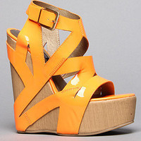The Santana Shoe in Orange Patent