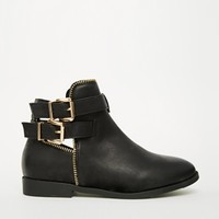 New Look Wide Fit Carosel Buckle Flat Boots