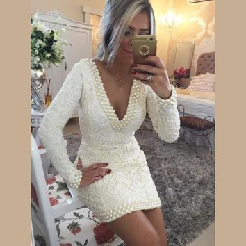 Fashion Design V-neck Lace Long Sleeve White Cocktail Dresses With Beaded Short Mini Sexy Backless Prom Dresses