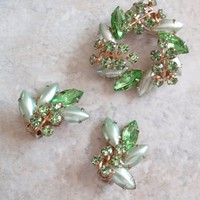 Satin Glass Brooch Set Green Rhinestones Demi Parure  Prong Set Vintage 073115LH