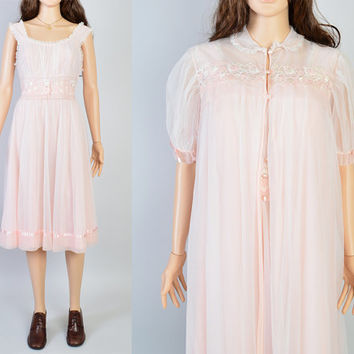 1960s Pink Peignoir Set / Vintage Nightgown / Floral Embroidery / Sexy Lingerie / Mad Men Style / Size Small