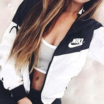 NIKE Hooded Windbreaker Jacket Coat Sportswear