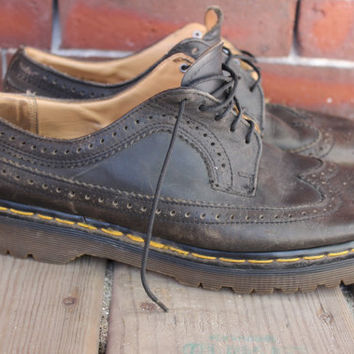 90s dr. martens wingtip lace up leather oxfords mens 8 made in england