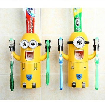 DCCKWQA 2016 newest Products Cute Minions Design Set Cartoon yellow doll Toothbrush Holder Automatic Toothpaste Dispenser toothpaste
