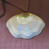Big Bold Sea Shell Brooch Taupe Cream Gold Accents Large 3 inch Enameled Clam Shell Beach Seaside Resort Jewelry Large Scale Brooch 1980s