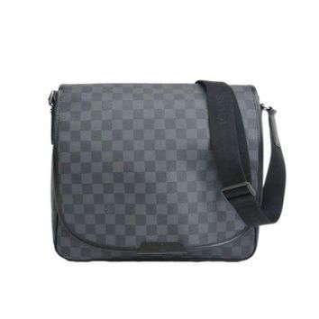 DCCKU3N Pre-owned Louis Vuitton Daniel Shoulder Bag