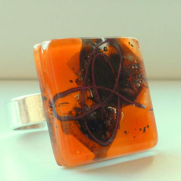Fused glass ring - Orange adjustable ring - Handmade artistic fused glass ring - Eco-friendly recycled jewelry from Barcelona