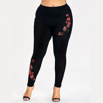 Plus Size Embroidery Floral Leggings Skinny Leggings