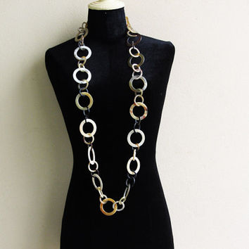 Long horn chain link necklace: classy and fashionable