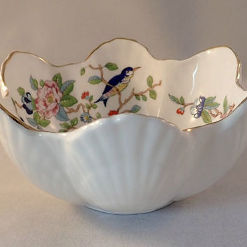 Aynsley Seashell Shaped Bowl/Dish in the Pembroke Pattern