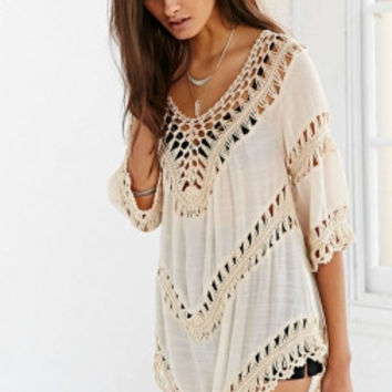 Short Sleeved Beachwear with Crochet Detail