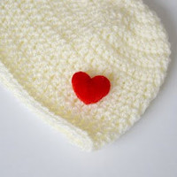 Super Cute crochet  Baby Beanie Hat with smal red heart , ready to ship, Great photo prop, Cream with Red Heart, Newborn photography prop