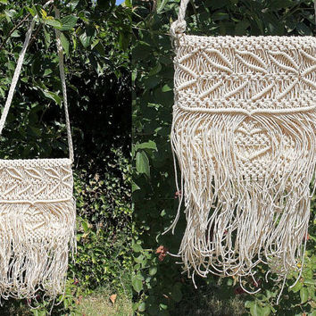 ViNtAgE 70s Crochet FRINGE CROSSBODY BAG Cream Macrame Bohemian Purse - a188