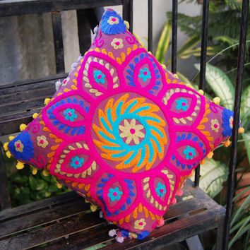 Cushion Covers Indian Handmade Woolen Embroidered Suzani Cushion Covers Rangoli Christmas Home Living Room Decor art High Fashion Sofa Cover