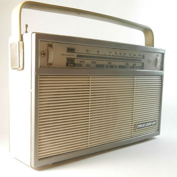 Rare Vintage Austrian transistor radio TRIXI 220 -  3 band 11 transistor - very good condition Working Radio Receiver 1964s HEA; Wien