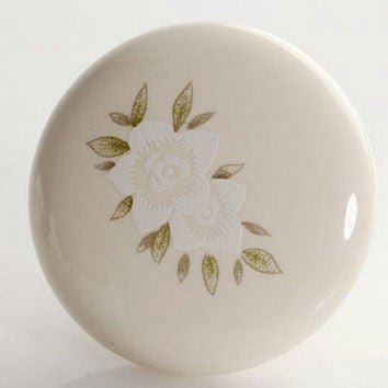 Rustic Dresser Knobs / Drawer Knobs Pulls Handles Cream White Flower / Kitchen Cabinet Knobs Pull Handle Knob Hardware French A35