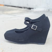 Tara Wedge by Lasonia {Black}