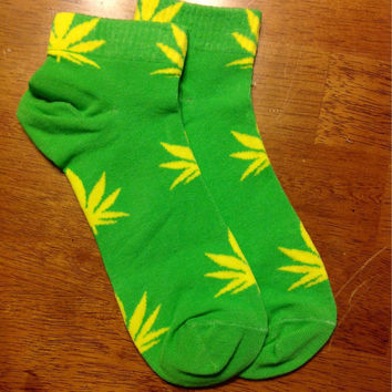 Custom Yellow on Neon Green University of Oregon Ducks Colors  Marijuana Weed Pot Leaf Cannabis Unisex Adult Cotton Ankle Socks Gift Idea