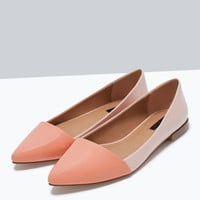 Two-tone flat shoes