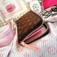 LV Fashion Hot Selling Men's and Women's Universal Handbags Chequered Long Zipper Wallet LV pattern coffee